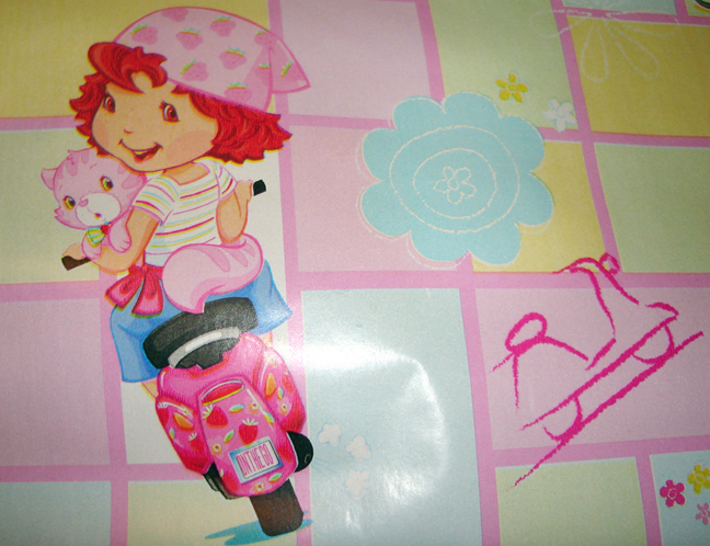 Strawberry Shortcake Wrapping Paper 2